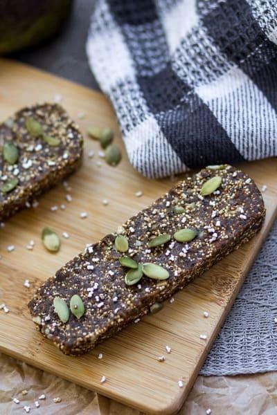 Ein veganer Superfood Proteinriegel